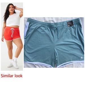 Avenue NWT Plus Size  Blue Dolphin Hem Shorts